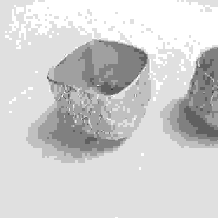銀樹 ぐい呑: Satomi nodaが手掛けた折衷的なです。,オリジナル 磁器