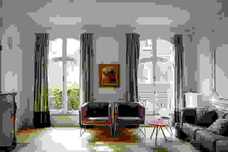 Salon minimaliste par homify Minimaliste