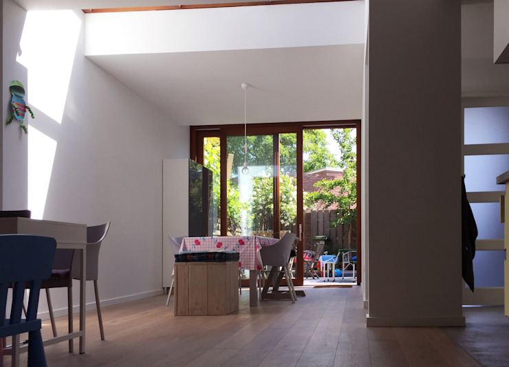 Modern Living Room by 2architecten Modern