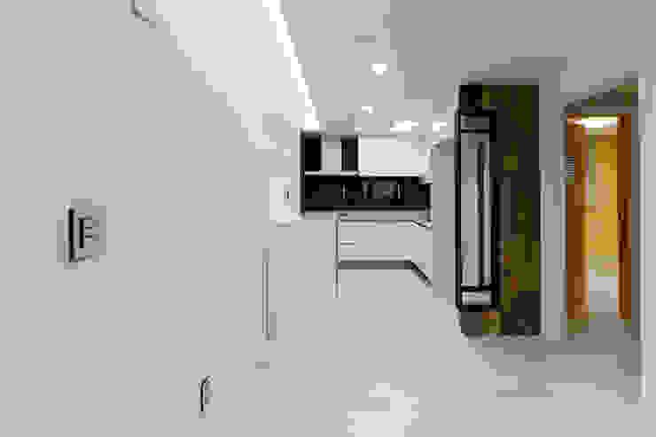 광진구 현대아파트 35평 모던스타일 다이닝 룸 by dual design 모던