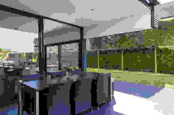 Woonhuis PMTJ Eindhoven Moderne eetkamers van 2architecten Modern