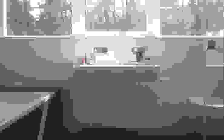 Modern Bathroom by 2architecten Modern