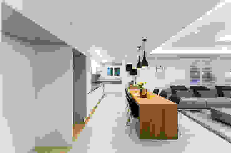 Salle à manger moderne par dual design Moderne