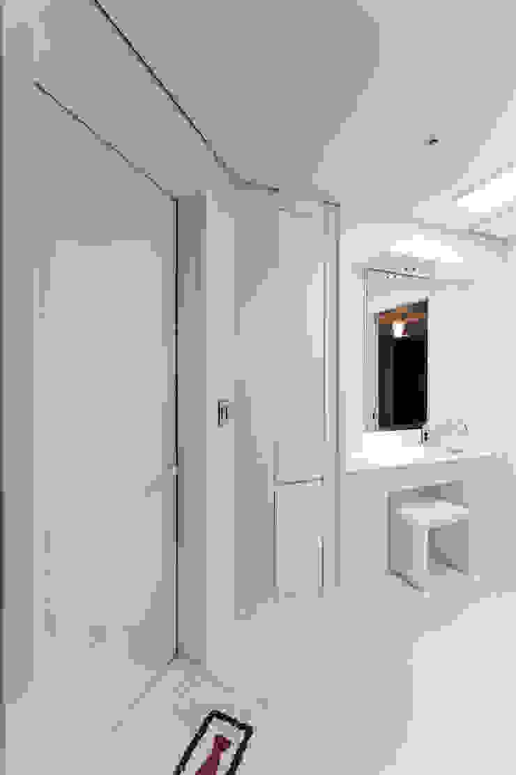 소공동 남산롯데캐슬 47평 모던스타일 드레싱 룸 by dual design 모던