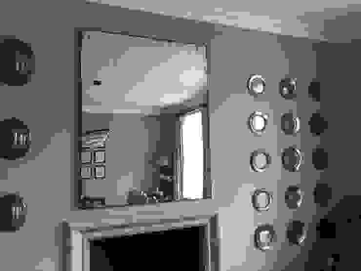 Living room by Dominic Schuster Ltd.,