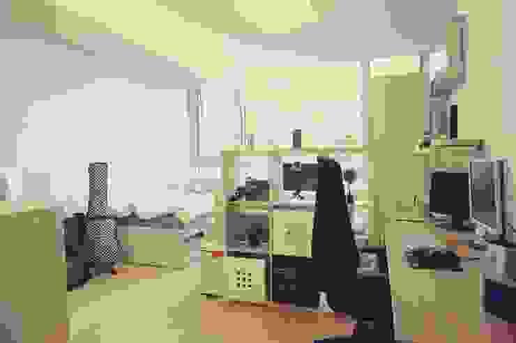 싱글남 홈스타일링, 원룸 인테리어 스칸디나비아 거실 by homelatte 북유럽
