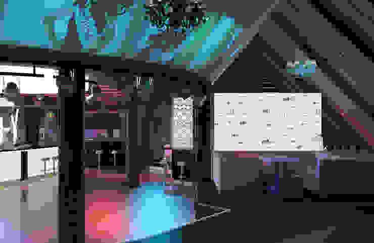 Советская City Club Бары и клубы в эклектичном стиле от Brama Architects Эклектичный ДСП