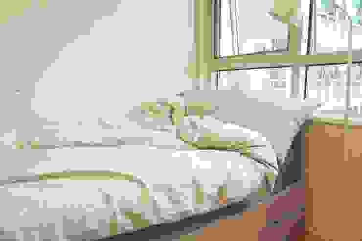 싱글남 홈스타일링, 원룸 인테리어 스칸디나비아 침실 by homelatte 북유럽
