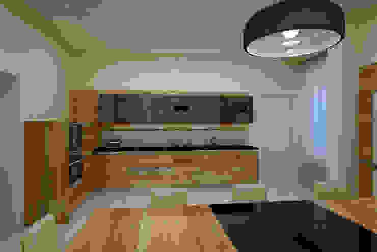 Кухня Кухни в эклектичном стиле от Бюро9 - Екатерина Ялалтынова Эклектичный