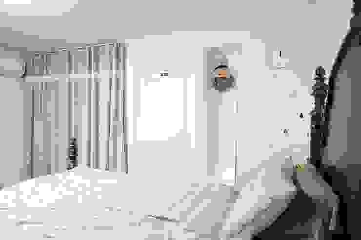 30평대 신혼집 홈 스타일링 : homelatte의  침실