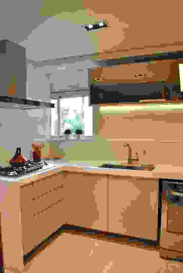Apartamento Vila Izabel Cozinhas modernas por Viviane Cavichiolo Arquitetura Moderno