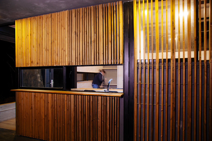 Casas modernas: Ideas, imágenes y decoración de CASA CALDA Moderno