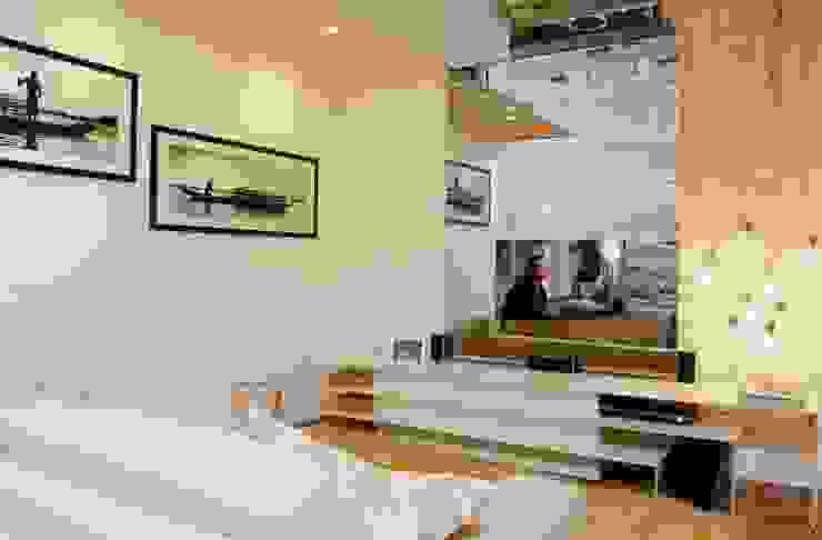 HOME BRANCO - TOQUE DA CASA QUARTO Salas multimídia minimalistas por Haifatto Arq + Decor Minimalista