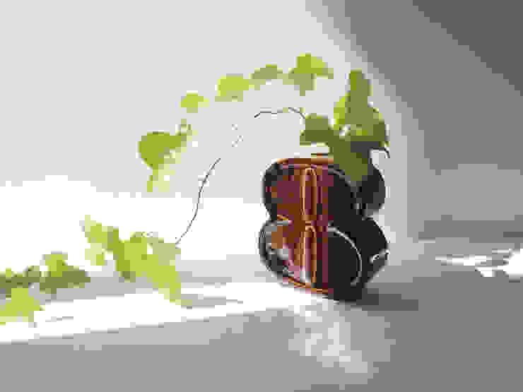 Number Collection 壁掛け花瓶: MARUHIRO Inc.が手掛けた折衷的なです。,オリジナル 磁器