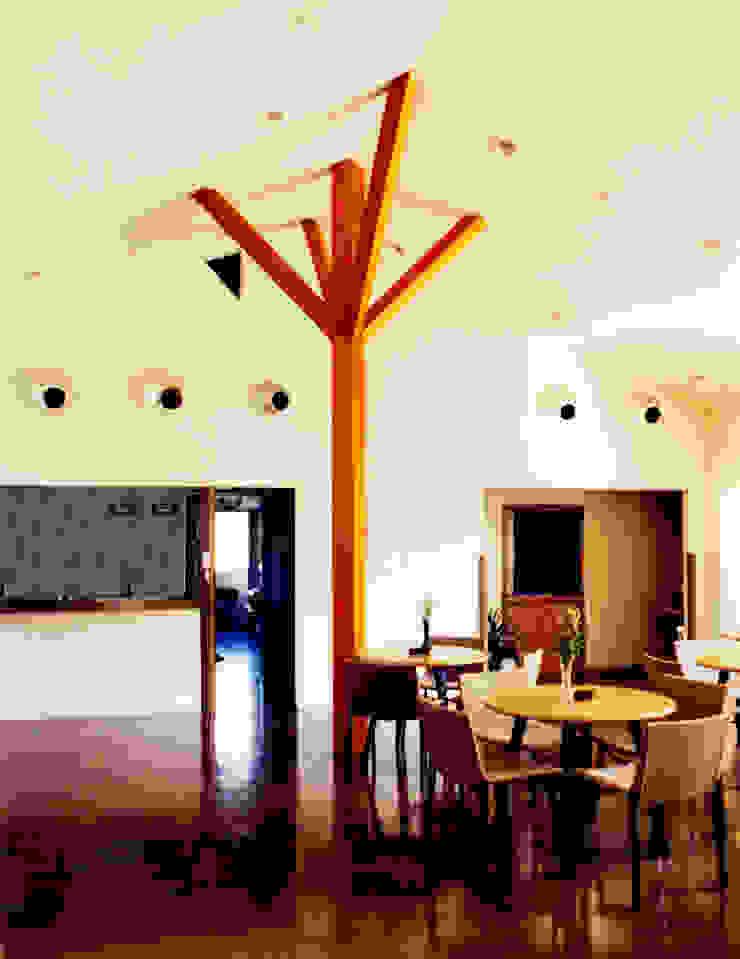 Modern Media Room by ユミラ建築設計室 Modern