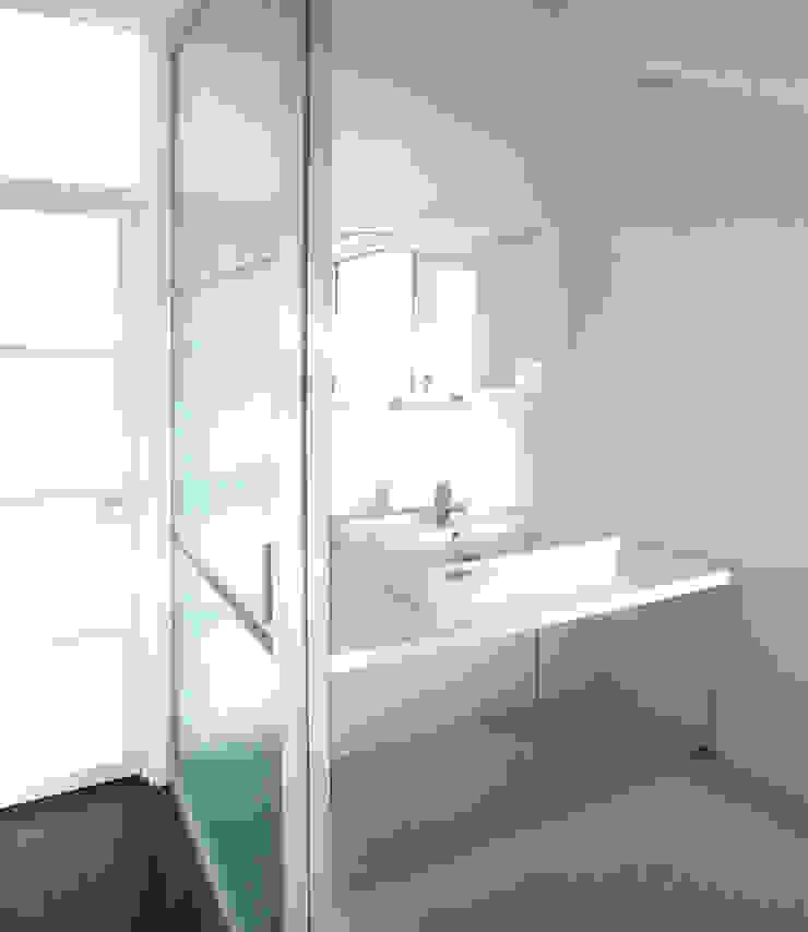 ユミラ建築設計室 現代浴室設計點子、靈感&圖片