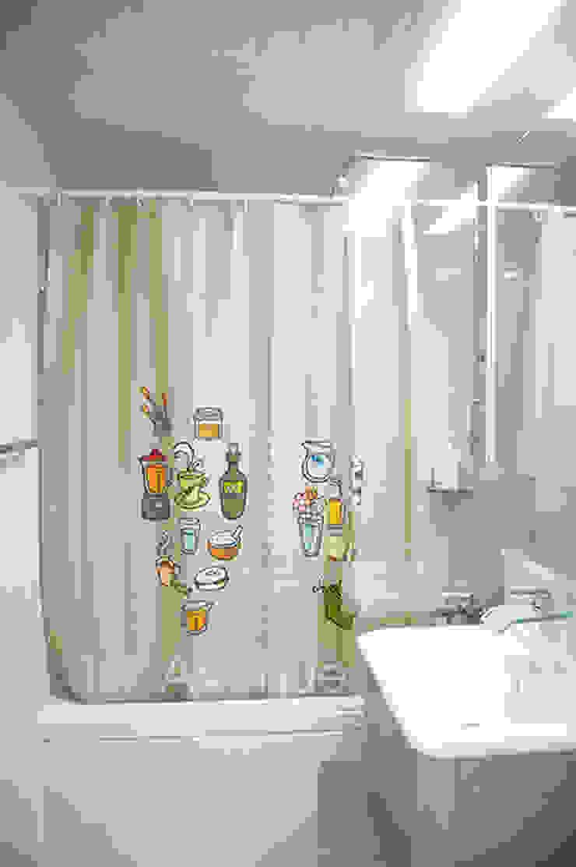 푸른 하늘을 그대로 담은 아이 다락방 모던스타일 욕실 by 퍼스트애비뉴 모던