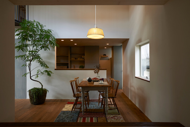 Mimasis Design/ミメイシス デザイン Modern dining room Wood Wood effect