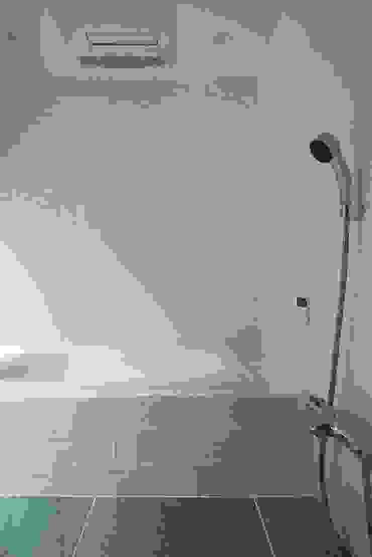 House in Higashikanmaki モダンスタイルの お風呂 の Mimasis Design/ミメイシス デザイン モダン