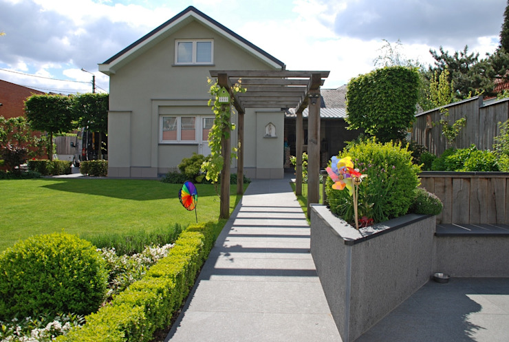 Jardines de estilo  por RVB PAYSAGE, Moderno