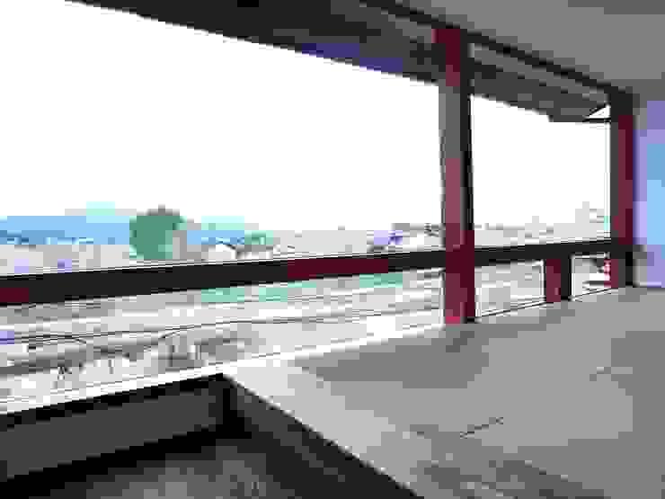 House in Matsugasaki モダンデザインの リビング の Mimasis Design/ミメイシス デザイン モダン