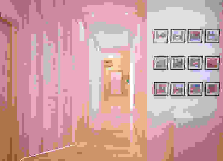 Дизайн прихожей в современном стиле по ул. Покрышкина Коридор, прихожая и лестница в модерн стиле от Студия интерьерного дизайна happy.design Модерн