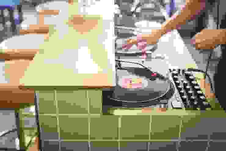 Cocinas de estilo ecléctico de Baltic Design Shop Ecléctico Azulejos
