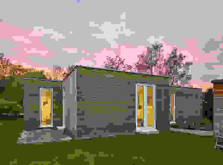 Casas minimalistas de +studio moeve architekten bda Minimalista