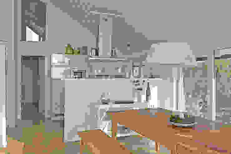 Essplatz und Küche im Ferienhaus-Wiek Büro Köthe Moderne Esszimmer