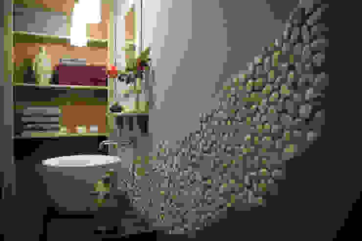 Duschbad des Ferienzimmers »Stein« Badezimmer im Landhausstil von Büro Köthe Landhaus Stein
