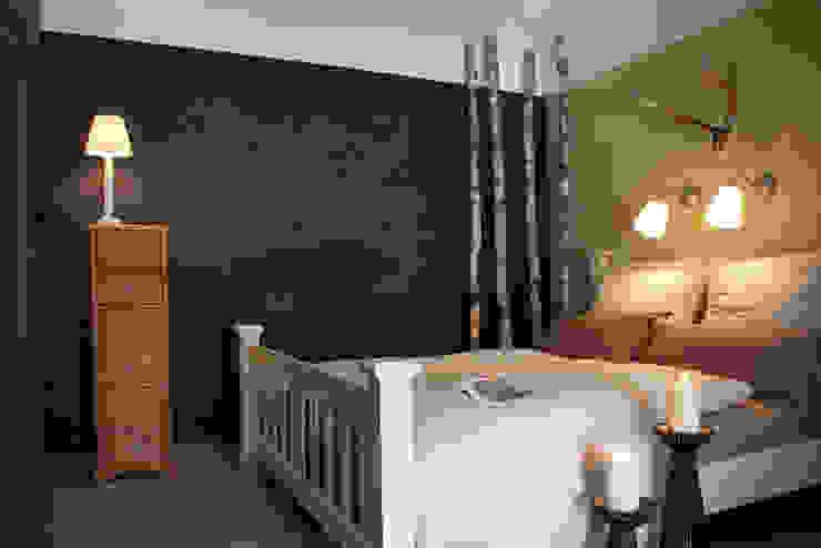 Blick ins Ferienzimmer »Wald« Schlafzimmer im Landhausstil von Büro Köthe Landhaus