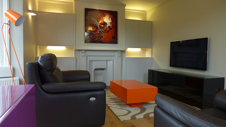 Built-in alcove units Style Within Moderne Wohnzimmer