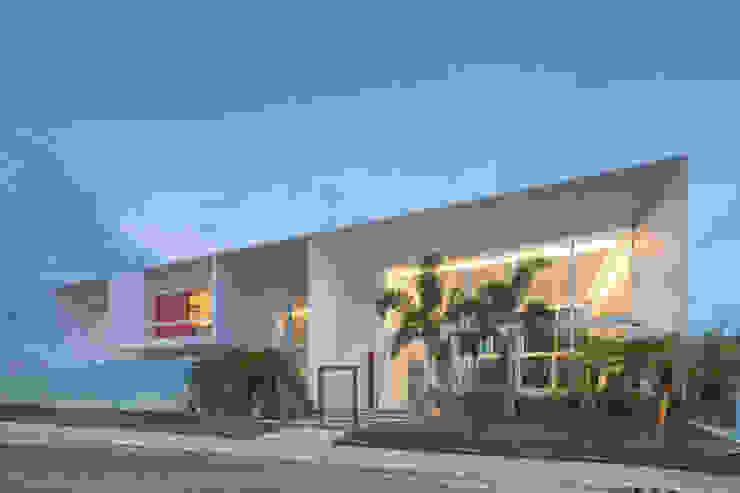 Vista da Rua por Carlos Bratke Arquiteto