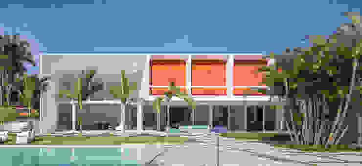 Detalhe dos Terraços por Carlos Bratke Arquiteto