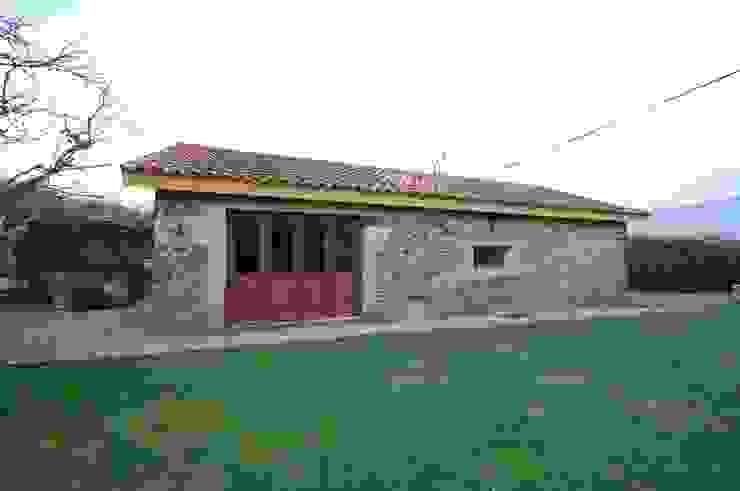 Reabilitação de Casa de Campo Casas rústicas por Borges de Macedo, Arquitectura. Rústico