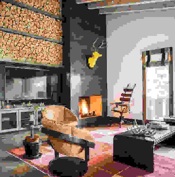 Truckee Residence Ruang Keluarga Gaya Eklektik Oleh Antonio Martins Interior Design Inc Eklektik