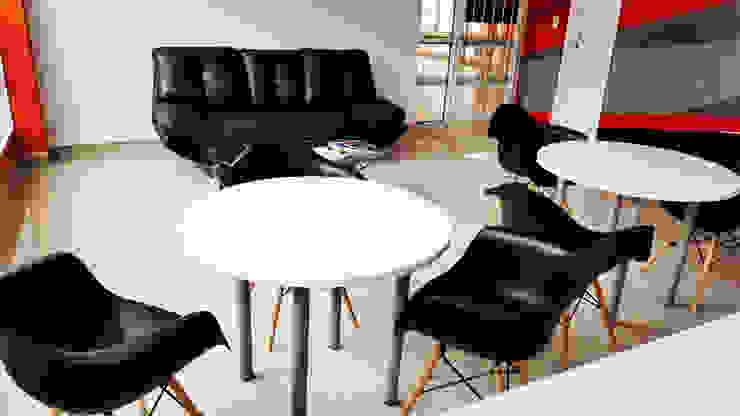 Sala de espera Gimnasios de estilo moderno de Phoenix Touch Moderno