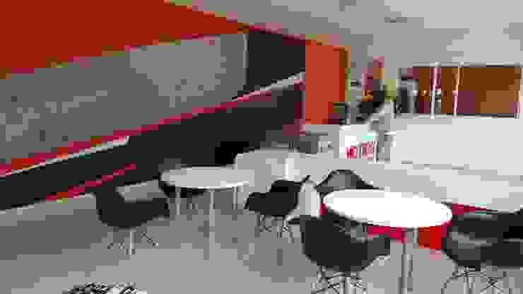 Sala de espera y recepción Gimnasios de estilo moderno de Phoenix Touch Moderno