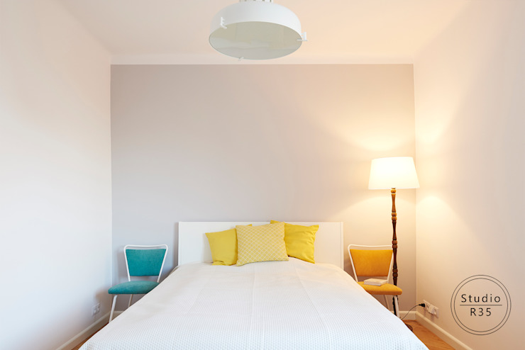 Mokotów 02 Minimalistyczna sypialnia od Studio R35 Minimalistyczny