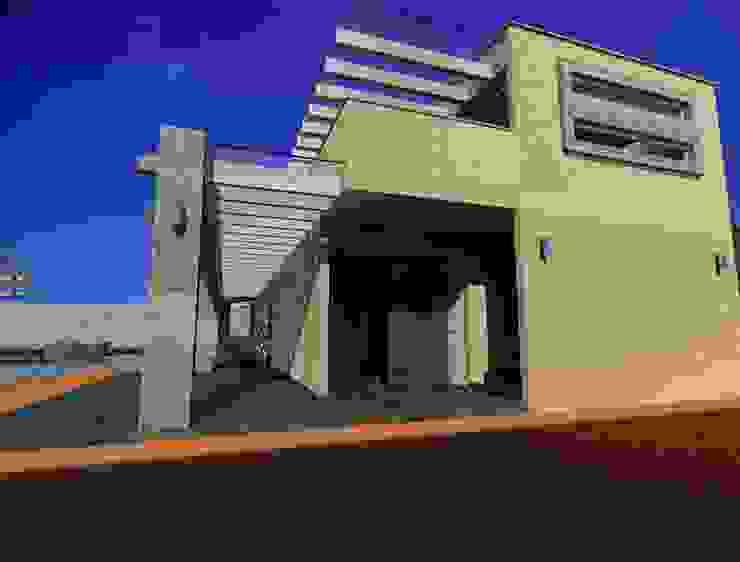 Anexo casaFausto Casas modernas de CESAR MONCADA S Moderno