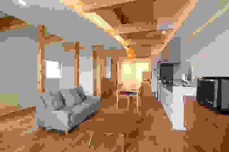 Projekty,  Salon zaprojektowane przez nano Architects, Nowoczesny Drewno O efekcie drewna