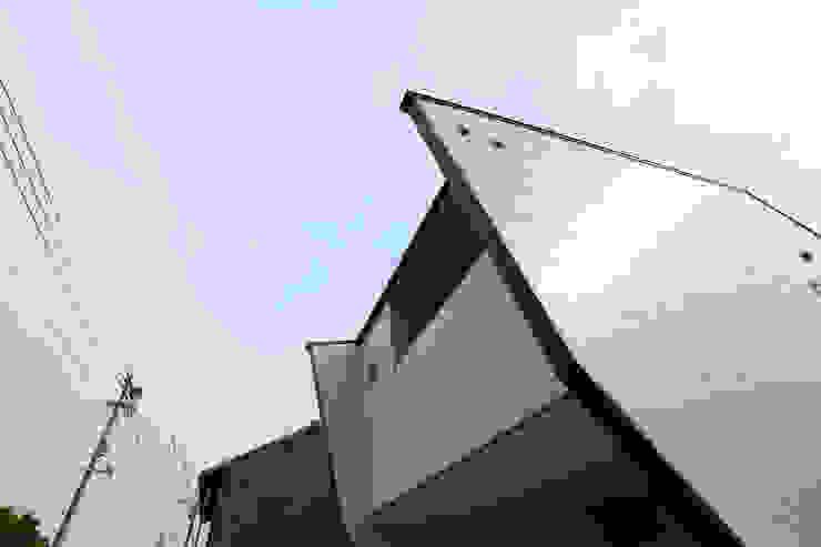 Modern home by nano Architects Modern Ceramic
