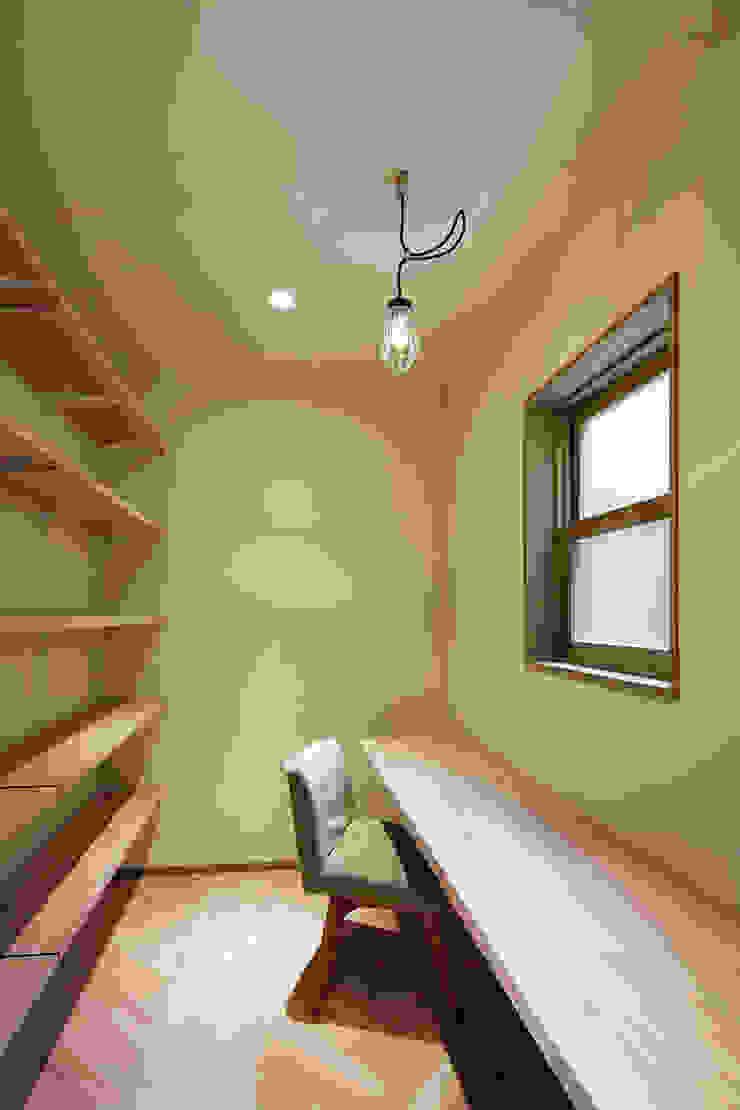 Oficinas de estilo clásico de 株式会社CAPD Clásico