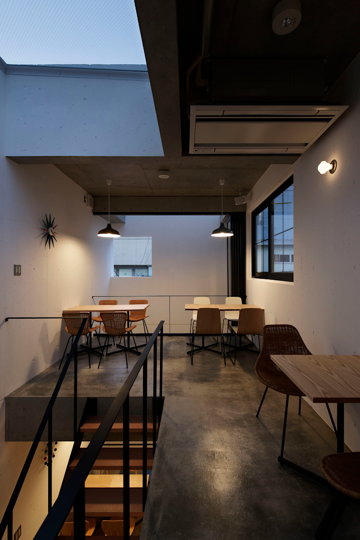BASSET CAFE オリジナルな商業空間 の 株式会社CAPD オリジナル コンクリート