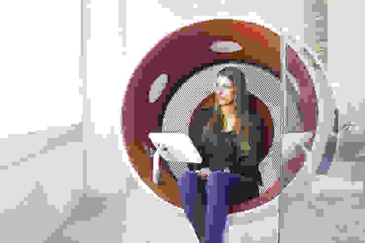 sonic chair im art'otel: modern  von designatics production GmbH,Modern