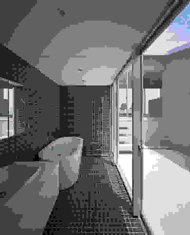 抜けのある家 モダンスタイルの お風呂 の 株式会社CAPD モダン コンクリート