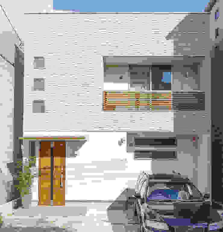 広いバルコニーのある家 モダンな 家 の 福島工務店株式会社 モダン タイル