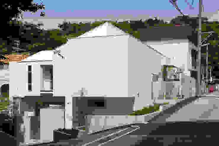 獅子ヶ口町の家 モダンな 家 の Kenji Yanagawa Architect and Associates モダン