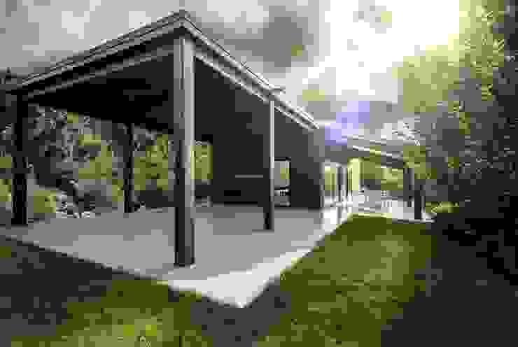 Casa in legno Alma Negra Case moderne di Progettolegno srl Moderno