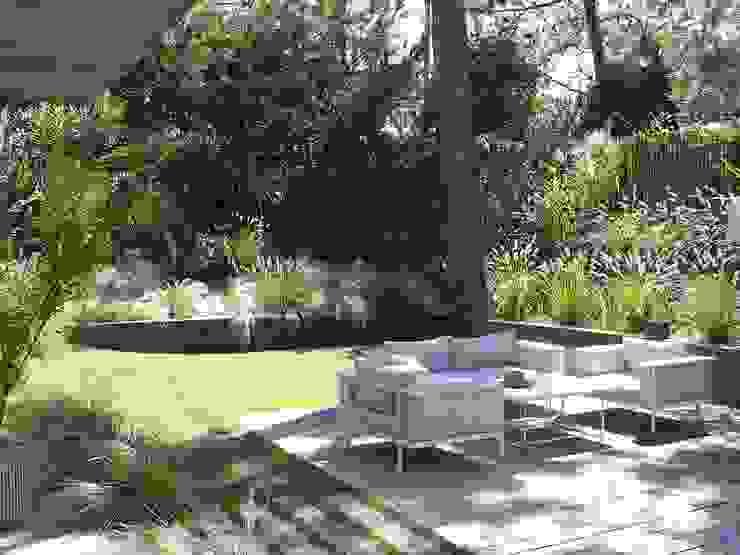 Jardines de estilo moderno de NL-PAYSAGE- PAYSAGISTE DPLG Moderno